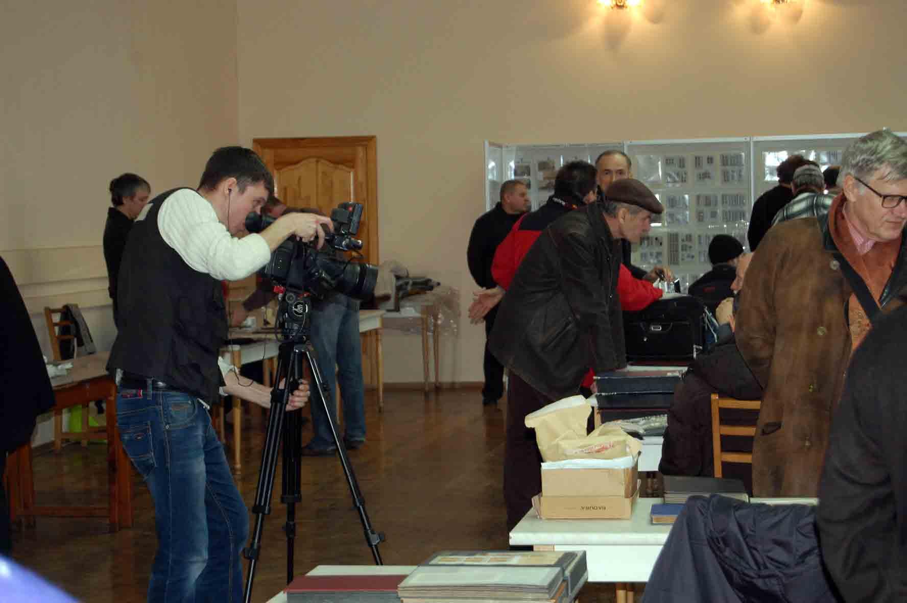 Телеканал 34 снимает сюжет о слете филателистов в Днепропетровске. март 2016
