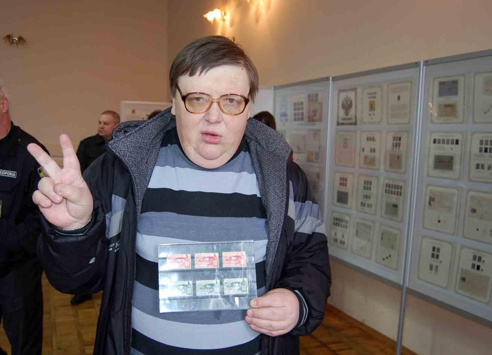 Николай Семенов-первый победитель аукциона . Слет филателистов в Днепропетровске 27 марта 2016г.
