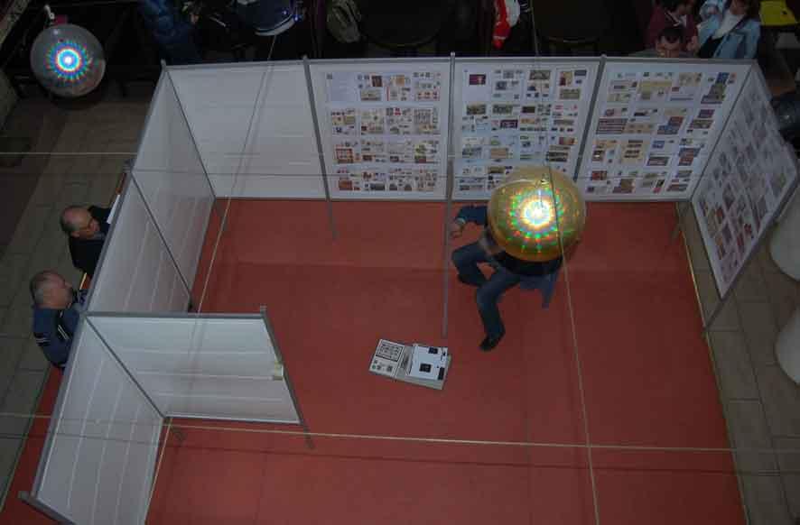 Установка коллекций на стенды на слете филателистов в Харькове. 24 апреля 2016г.